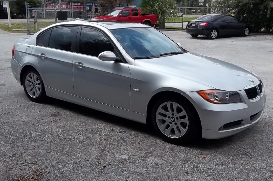 Guy's Automotive's Body Shop Tampa offers BMW auto body collision repair work in Tampa, Florida