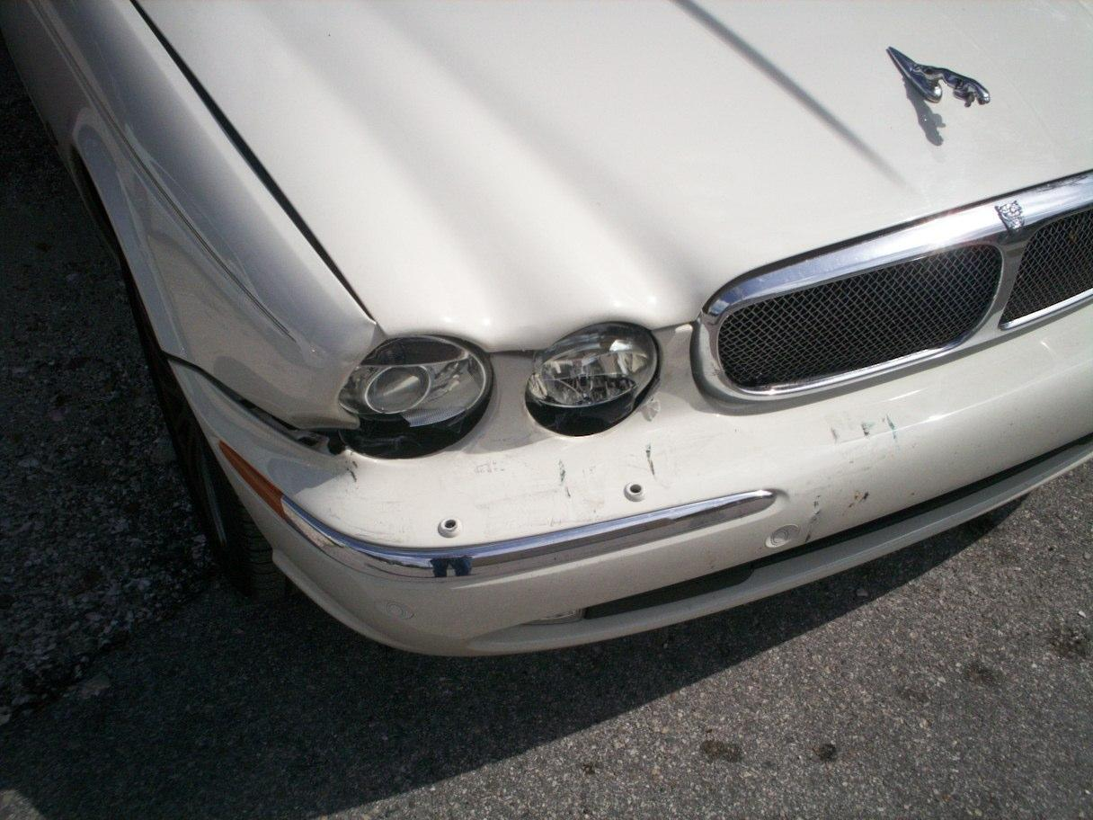 Guy's Automotive's Body Shop Tampa offers Jaguar auto body collision repair work in Tampa, Florida