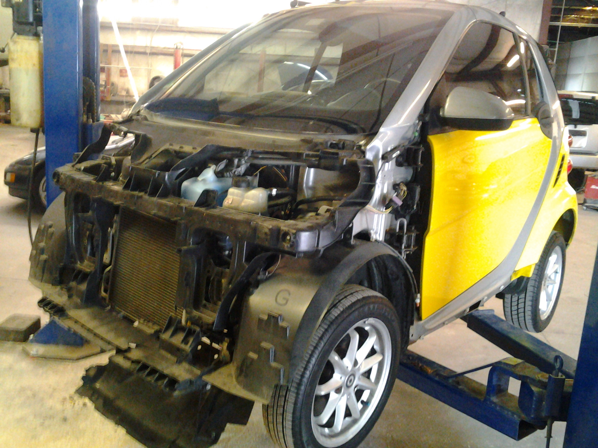 Guy's Automotive's Body Shop Tampa offers Smart auto body collision repair work in Tampa, Florida